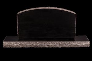 Nr 101 svartur - Steinn H:57xB:100 - Sökkull 150x30 - Verð 355.000