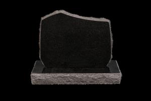 Nr 105 svartur - Steinn H:57xB:70 - Sökkull 85x35Verð 280.000