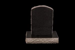 Nr 111 svartur - Steinn H:57xB:40 -Sökkull 66x32Verð 190.000