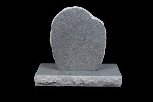 Nr 102 grár - Steinn H:67xB:50 - Sökkull 80x35 -Verð 215.000